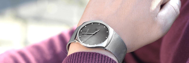 Zegarki męskie z bransoletą – styl na co dzień