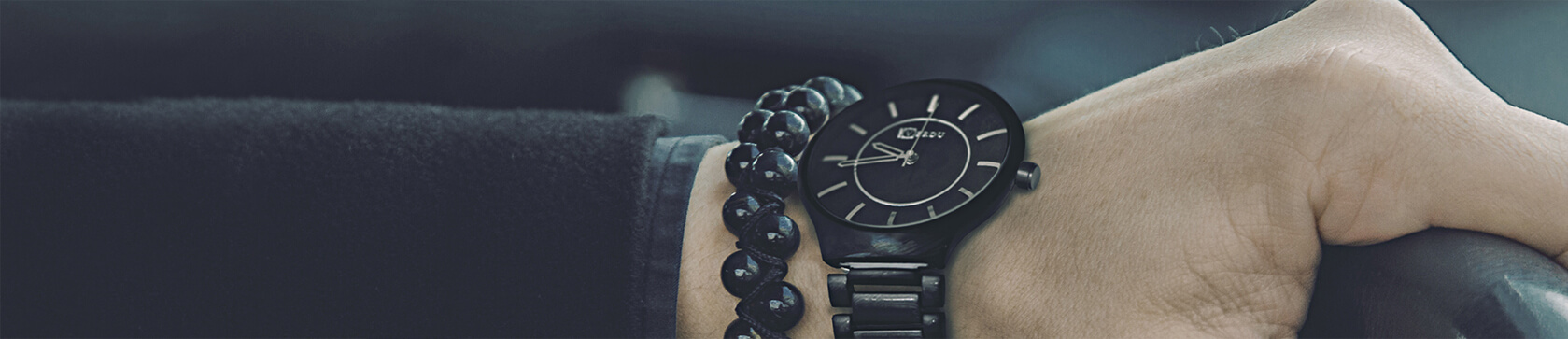 MEN'S WATCHES WITH A BRACELET